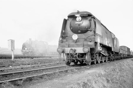 Battle of Britain class approaching Yeovil Junction.